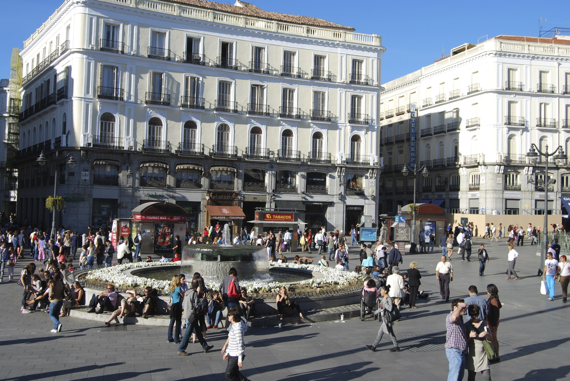 Madrid is magic tess takes over the world for Puerta del sol gran via
